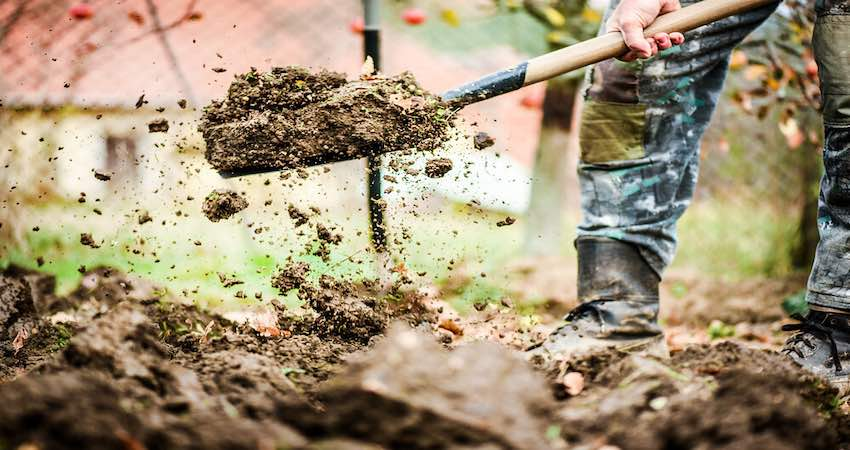 How to Move Dirt without A Wheelbarrow